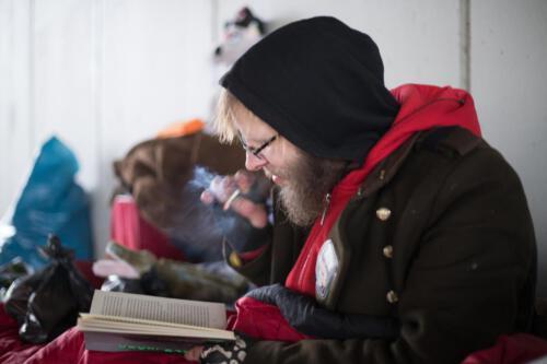 Merlin - Der lesende Obdachlose